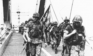 Capt Richard C. Zilmer leads his Company F, Battalion Landing Team 2/8 Marines ashore from the landing ship Saginaw (LST 1188) at the port of Beirut on 29 September 1982.