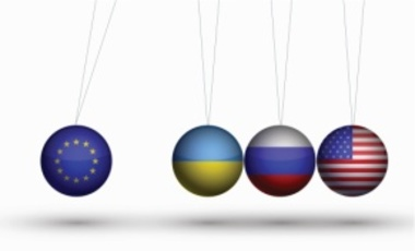 Great Power Politics and the Ukrainian Crisis: Managing Russia's Rivalry in a Political-Economic Context