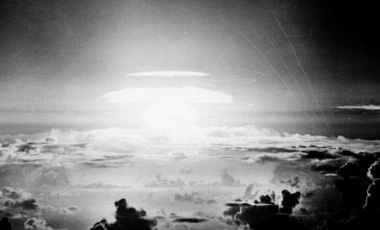 In this file photo, the fireball of a hydrogen bomb lights the Pacific sky a few seconds after the bomb was released over Bikini Atoll. May 21, 1956 (Associated Press/File) Keywords: hydrogen bomb, nuclear weapons, Bikini Atoll