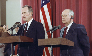 U.S. President George H. Bush and Soviet President Mikhail Gorbachev hold a joint press conference on Oct. 29, 1991 at the Soviet Embassy in Madrid. (AP Photo/Jerome Delay)