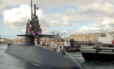 Japan Maritime Self-Defense Force (JMSDF) Oyashio-class submarine Yaeshio (SS-598) arrives at Naval Station Pearl Harbor, September 17, 2009.