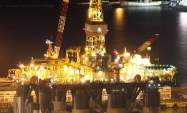 Saipem Scarabeo 7 semi-submersible drilling rig docked in Cape Town
