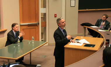 Minister Patriota addresses students at the Harvard Kennedy School.