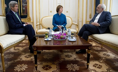 U.S. Secretary of State John Kerry, European Union High Representative Catherine Ashton, and Iranian Foreign Minister Mohammad Javad Zarif discuss the Iran nuclear negotiations in Vienna, Austria, October 2014.