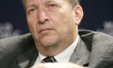 Q&A: Lawrence Summers and Why It's Too Early to Raise Rates