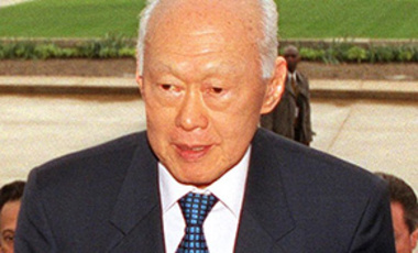 Lee Kuan Yew visits the United States, 2002