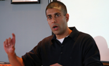 "Vipin Narang, an ISP/MTA research fellow, presenting at an ISP brownbag on ""Posturing for Peace? The Deterrence Consequences of Regional Power Nuclear Postures,"" in February 2009."