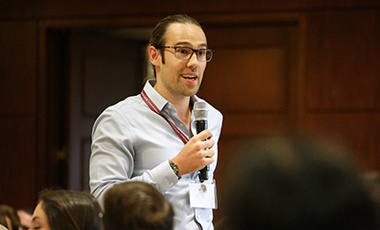 Nick Obradovich introduces himself at the Belfer Center orientation.