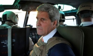 Secretary Kerry Looks Out Over Baghdad From Helicopter at End of Iraq Visit