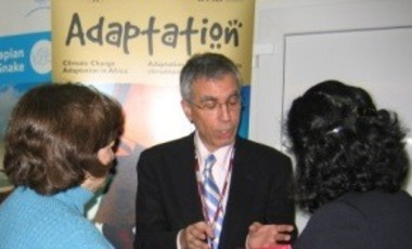 Professor Robert N. Stavins speaks to participants after the Harvard Project–sponsored side-event at the COP in Poznan, Poland, Dec. 2008.