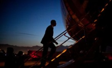 U.S. President Barack Obama boards Air Force One prior to departure from Bagram Airfield in Afghanistan, 44 minutes before sunrise on 2 May 2012.