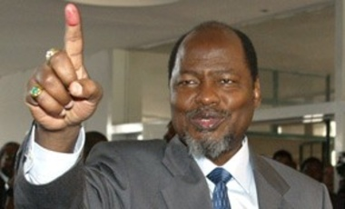 Ex-Mozambique president Chissano wins Mo Ibrahim Prize for African Leadership