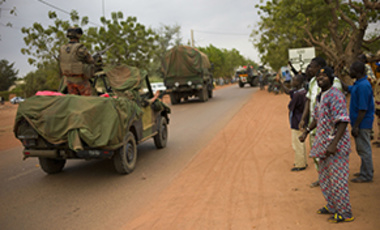 Malians welcome French soldiers as they arrive in the city of Sevare, Mali, Friday, Jan. 25, 2013.