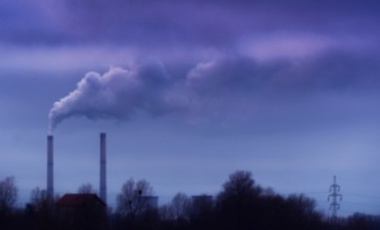 Heavy smoke spewing from a coal-powered plant. The Obama administration's proposed regulation of existing power-sector sources of CO2 has the potential to be cost-effective, and it can also be welfare-enhancing.
