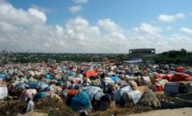 A view of one of the displaced camp in Mogadishu, Somalia, Sep. 14, 2011. A massive aid operation is currently underway to help millions of Somalis affected by the fighting and a famine caused by severe drought.