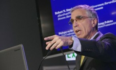 Harvard Project Director Robert Stavins speaking at a side-event panel discussion in Paris on December 4, 2015.