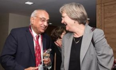 Harvard President Drew Faust congratulates Venky at his 75th birthday tribute.