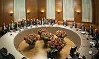 Catherine Ashton, P5+1 and Iran foreign ministers in Geneva negotiators