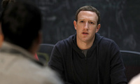 Facebook CEO Mark Zuckerberg meets with a group of entrepreneurs and innovators during a round-table discussion at Cortex Innovation Community technology hub on Nov. 9, 2017, in St. Louis (AP Photo/Jeff Roberson).
