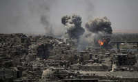 Airstrikes target Islamic State positions on the edge of Mosul's Old City